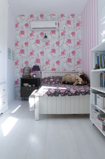 Mix Wallpaper Prints One Wall Done In A Floral Print And Another In Stripes Sounds Like It Could Be A Little Kid Room Decor Grey Girls Rooms Eclectic Bedroom