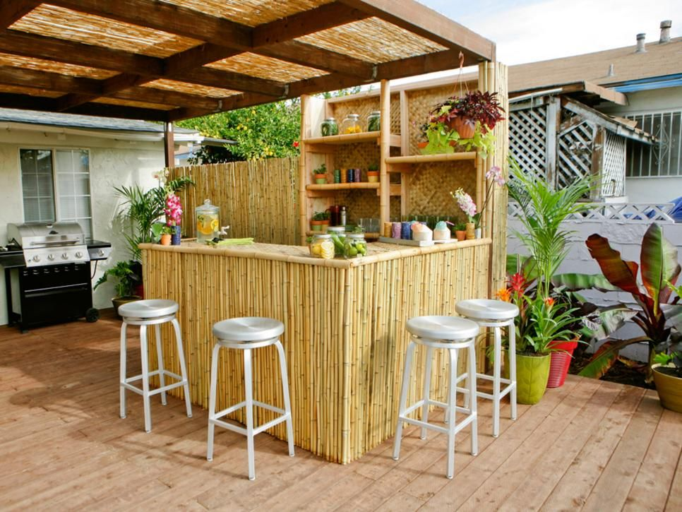An outdoor bar makes entertaining so easy