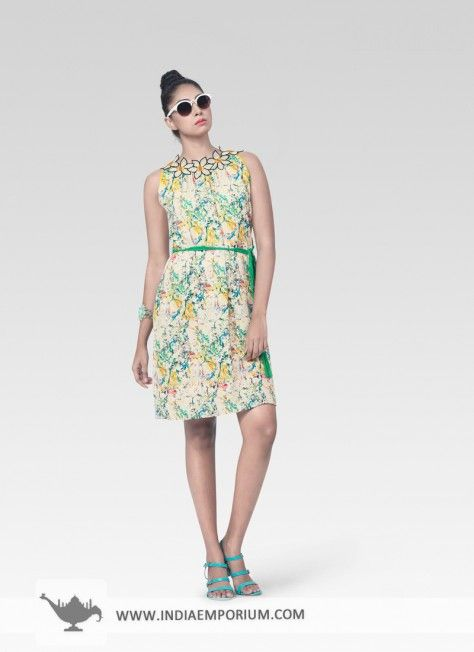 Cream & Green Moss Georgette Kurti #Floral #Kurti #Sleeveless #OOTD #OutfitOfTheSummer #Printed #Summertrend #Indiaemporium