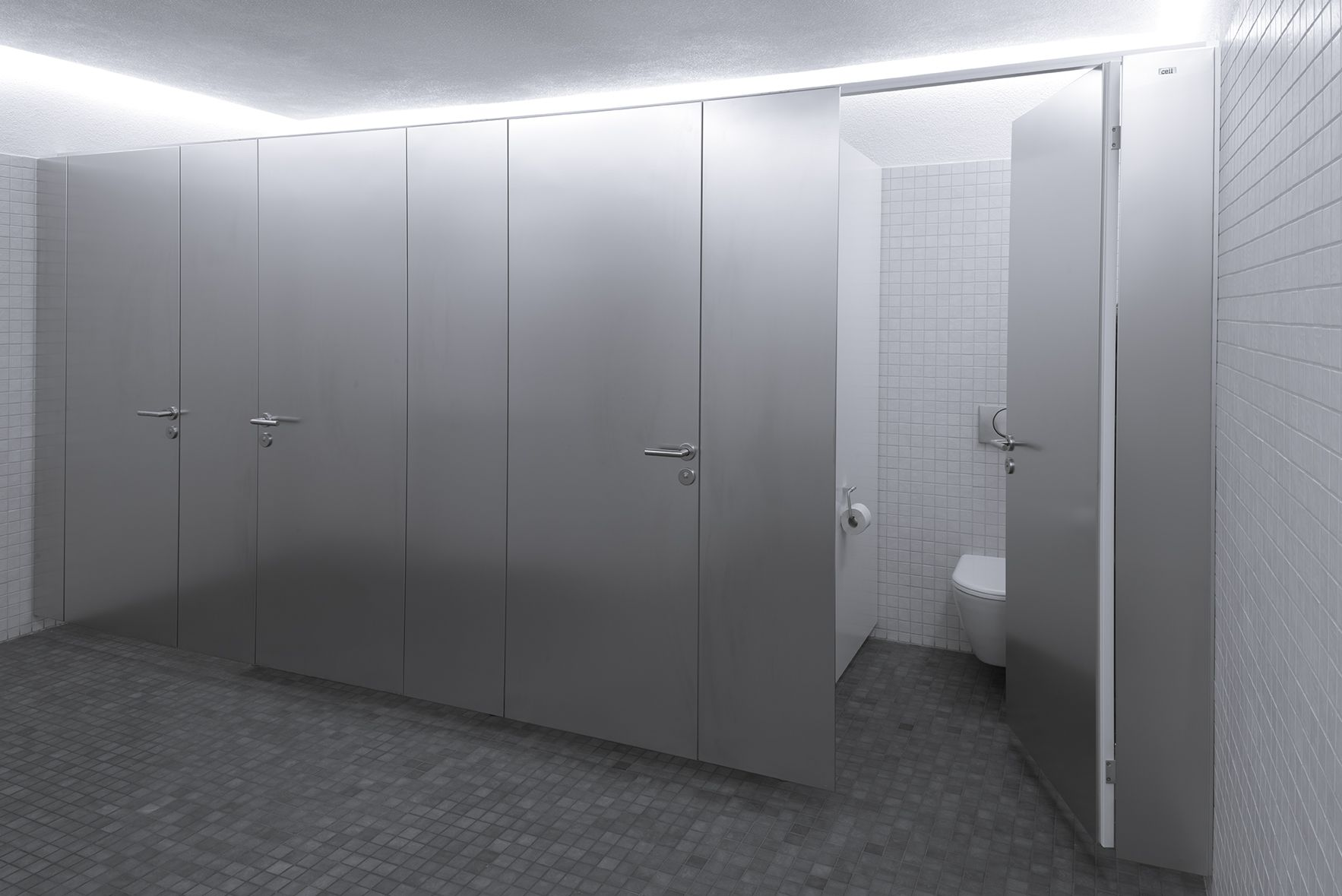 Wc Trennwand Raumhoch Cell In 2019 Trennwände Aus Metall Furniture Home Decor Und Room