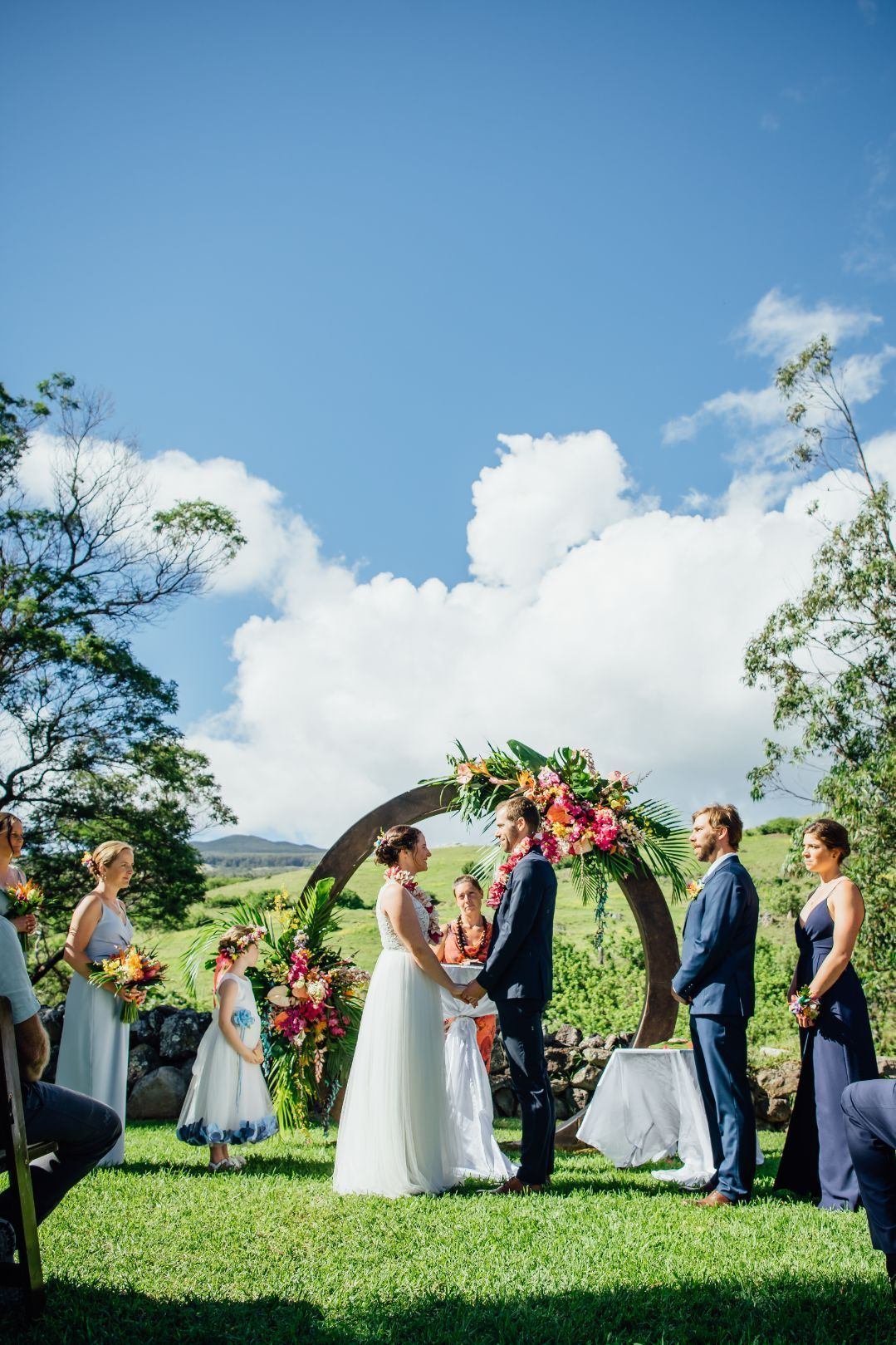 Destination Wedding Ideas Tropical Wedding In Hawaii Destination Wedding Planning In 2020 Hawaii Wedding Big Island Wedding Hawaii Destination Wedding