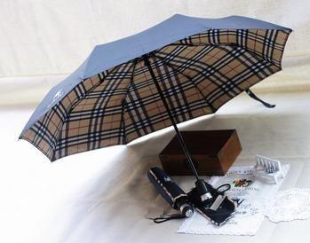 gran descuento características sobresalientes disfruta el precio más bajo No te mojes!! | Complementos | Burberry, Paraguas y Sombras