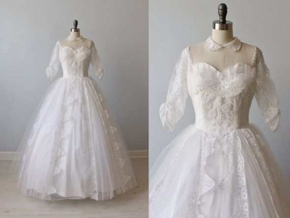 Vintage 1950s Wedding Dress / 50s Lace Wedding Dress / PeterPan ...