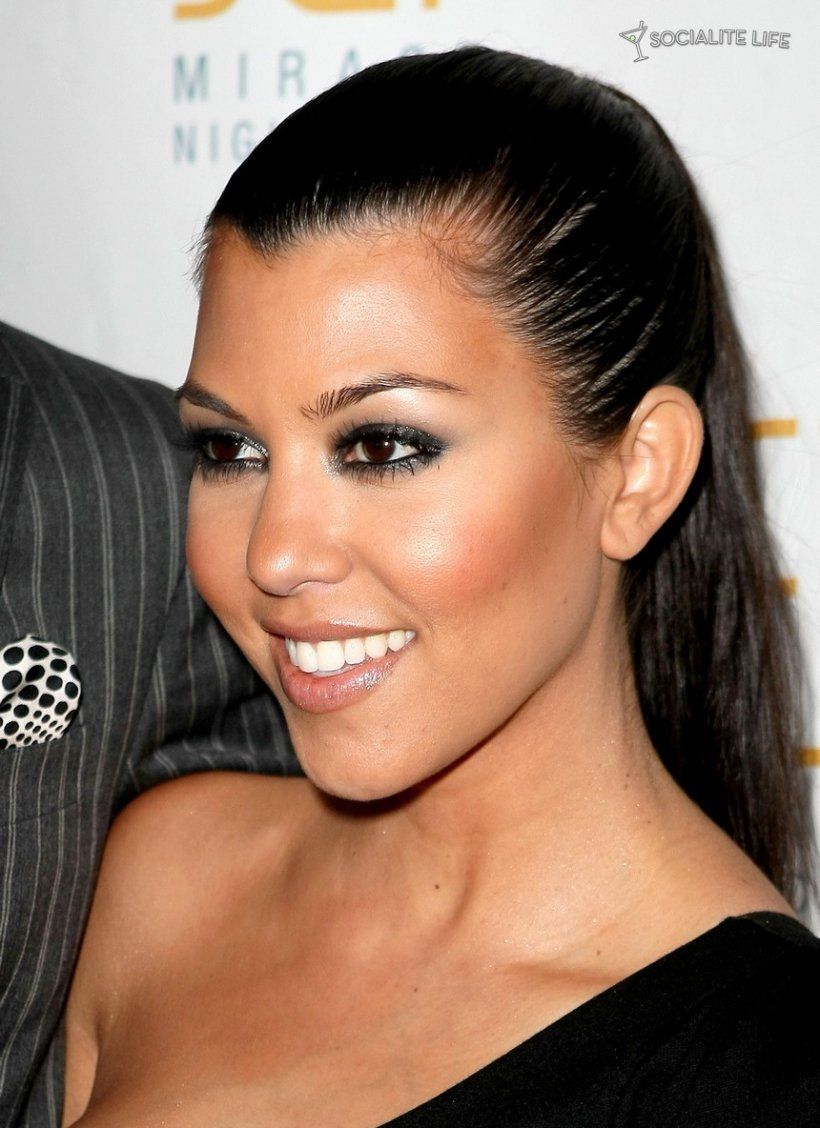 Kourtney Kardashian Makeup   Kourtney kardashian, Kourtney ...