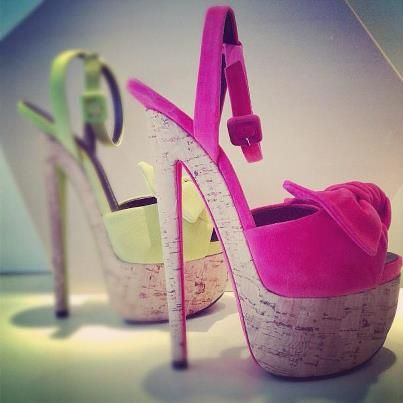 Pink high heel knot style light sandals for ladies
