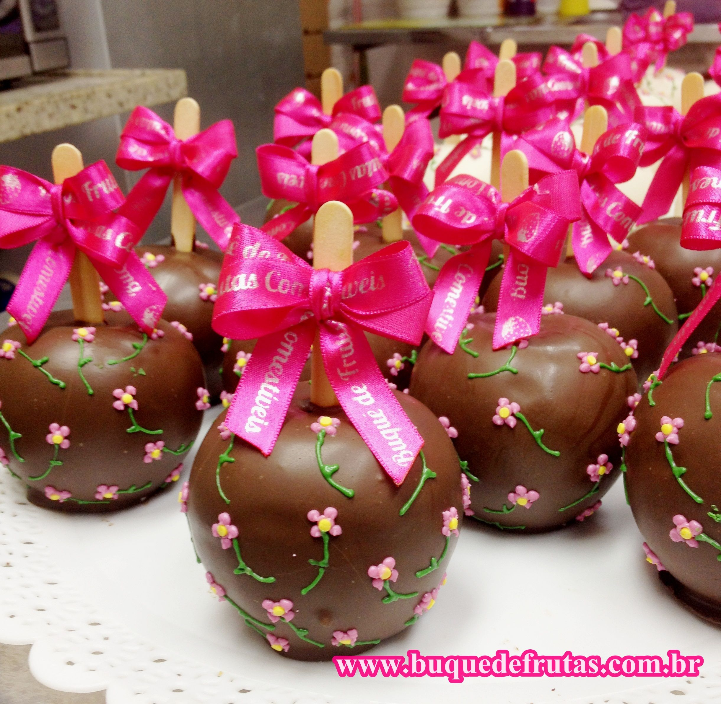 Maça Tema Flores | Candy Apples | Pinterest | Candy apples, Apples ...