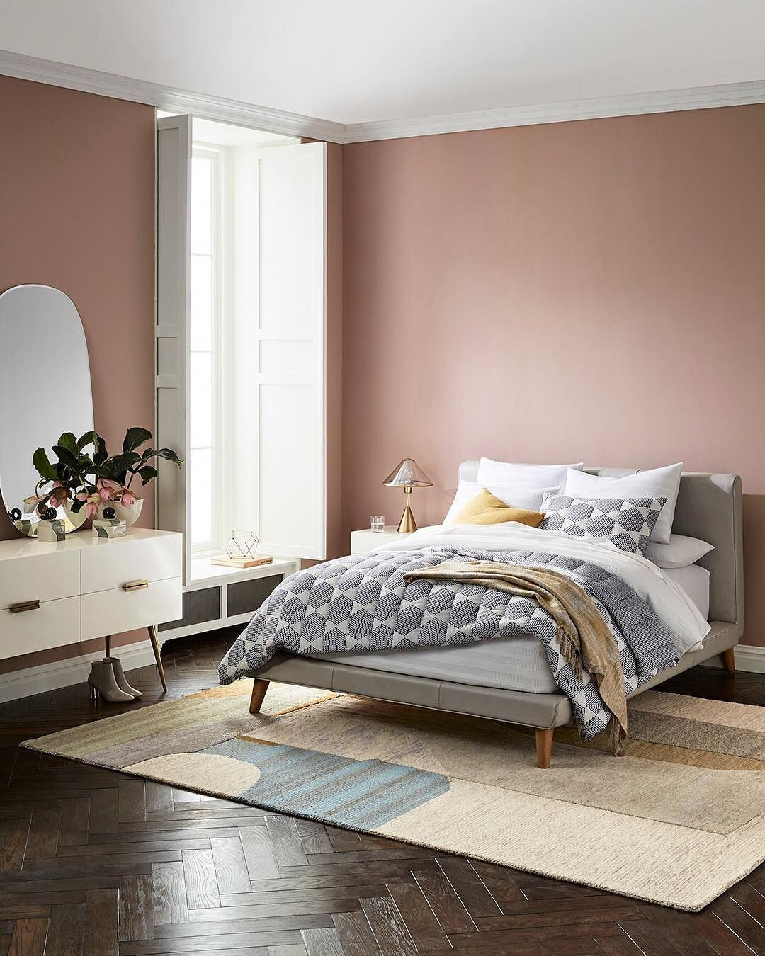 Your Organic Bedroom: Handcrafted Quality Never Goes Out Of Style. Add This