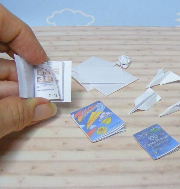 tiny airplane books with instructions too