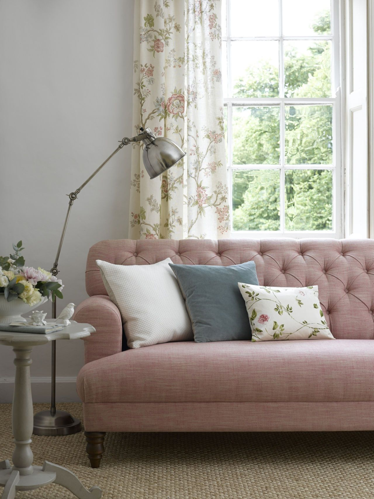 Country Cottage Living Room Scheme: Choose A Super Comfy Sofa That Has A  Classic Style