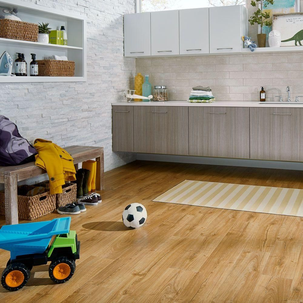 Pergo Outlast Waterproof Marigold Oak 10 Mm T X 7 48 In