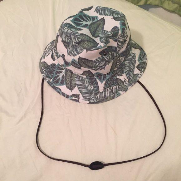 00d91d0d67e Neff bucket hat