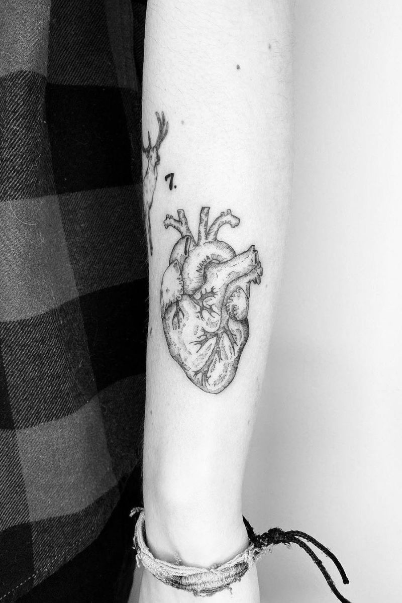 50 Vivid Anatomical Heart Tattoos to Inspire You in 2020