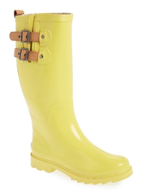 bright #yellow rain boots  http://rstyle.me/n/i6umvpdpe