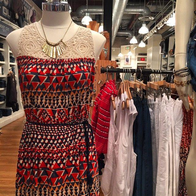 Summer is starting to heat up☀️@officialluckybrand #dress #accessories #geometrics #womens #Pixxy