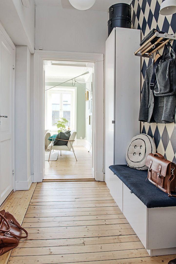 Praktiskt med inbyggd förvaring och sittbänk Hallway Pinterest Inredning, Heminredning och