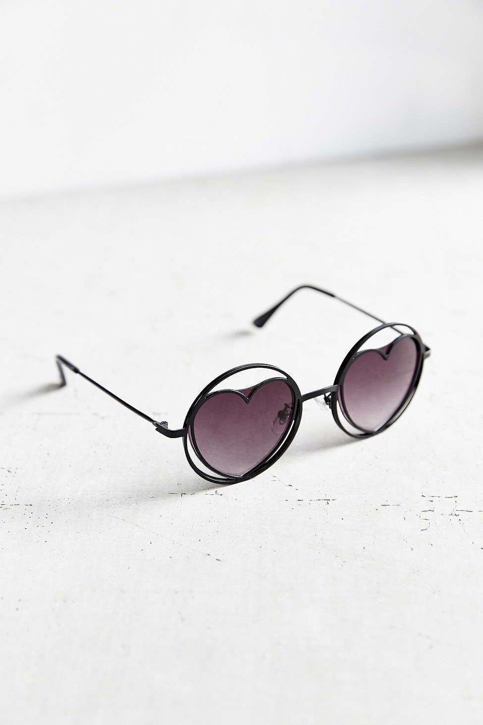 d4abd0b8ebfa 26 Not-So-Boring Sunglasses To Rock This Summer