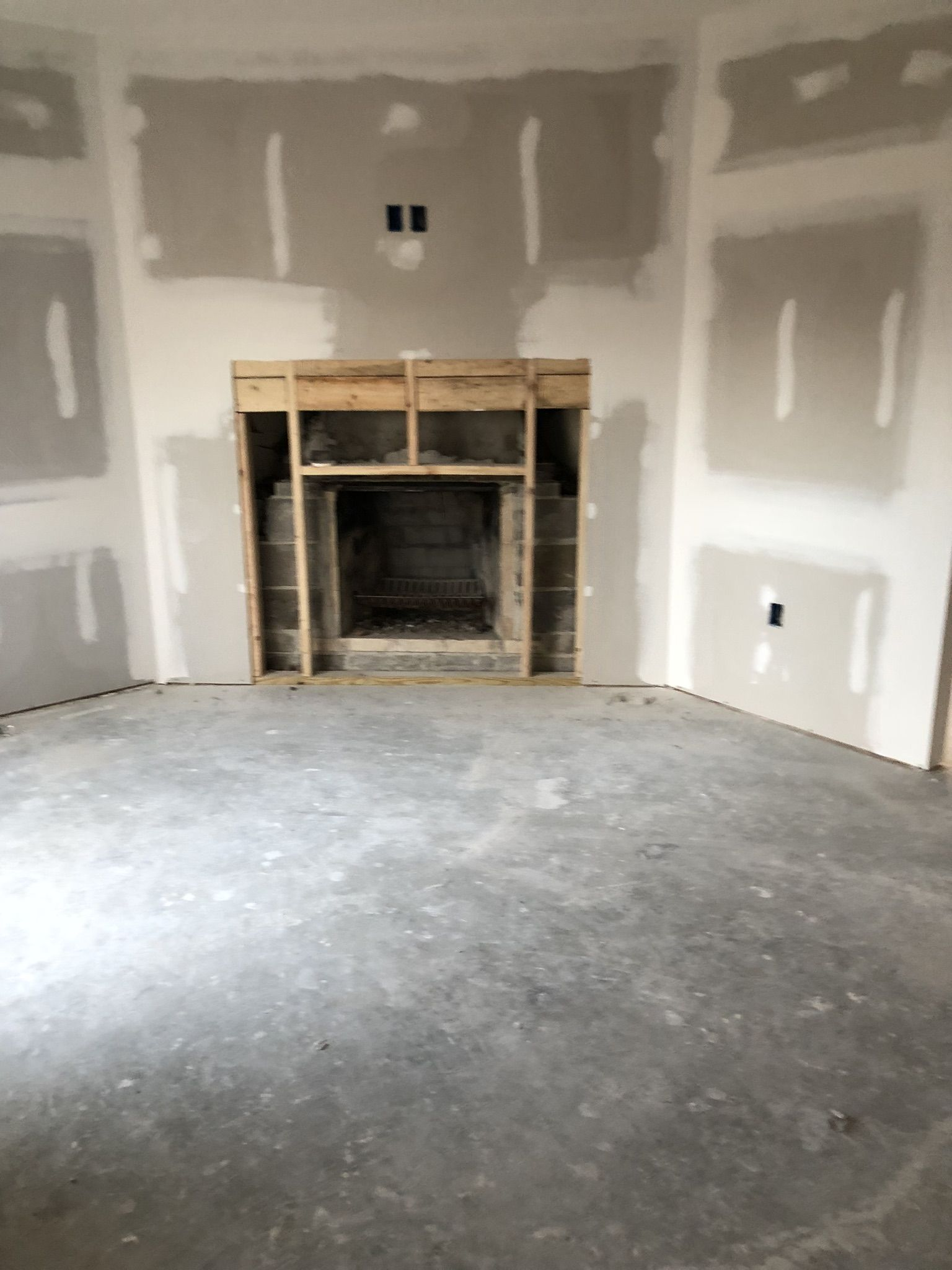 Sunken Dining Room And Fireplace There Is Sliding Glass Doors To