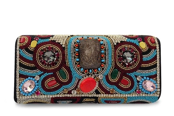 Bolsa De Mao Com Pedraria : Bolsa corello bordada tipo clutch bead inspirations