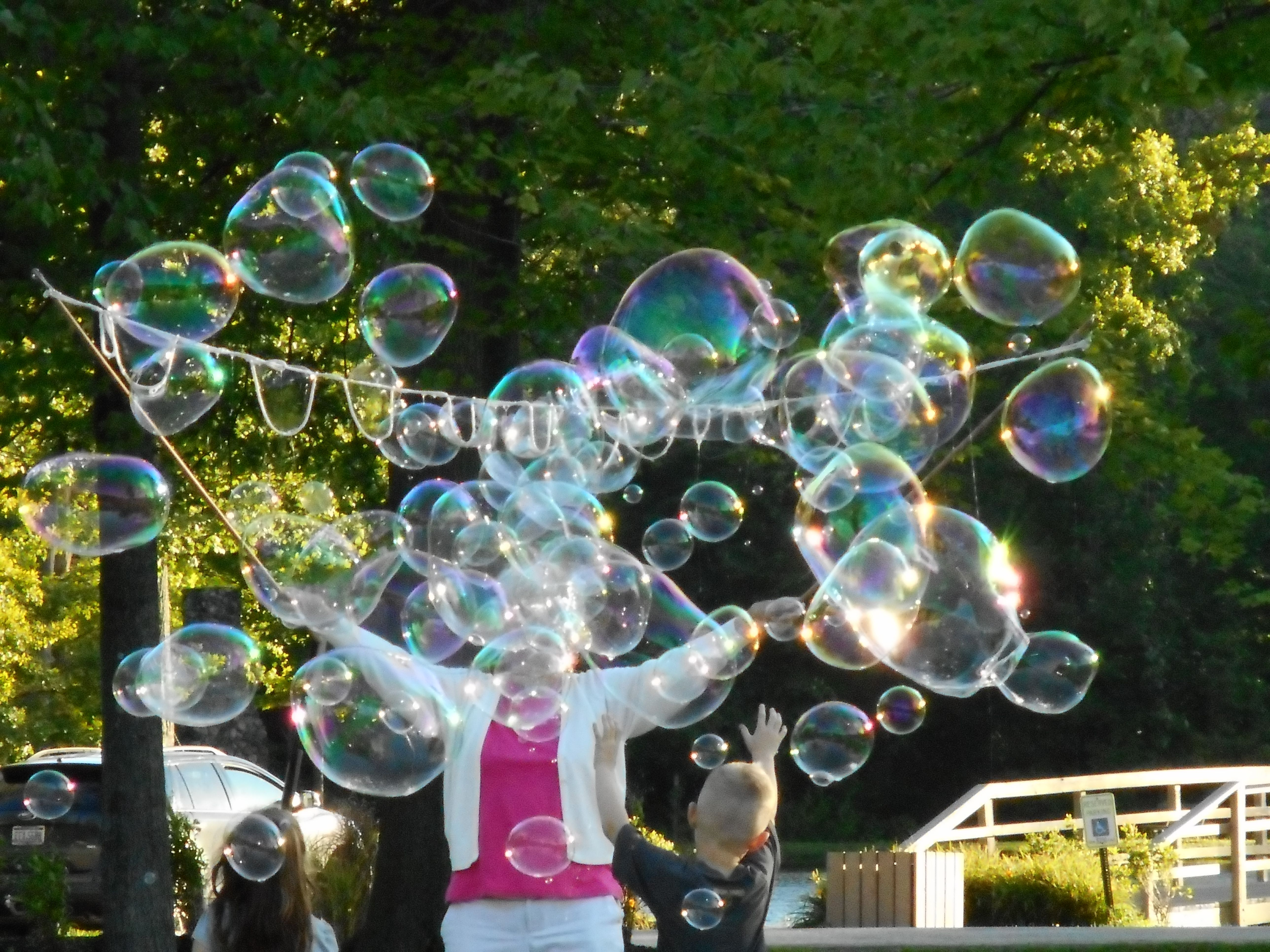 How To Make An Easy Diy Giant Bubble Wand Keep The Kids Amused