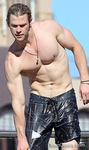 nude-photos-of-male-actors-movie-stars-flashing-pussy