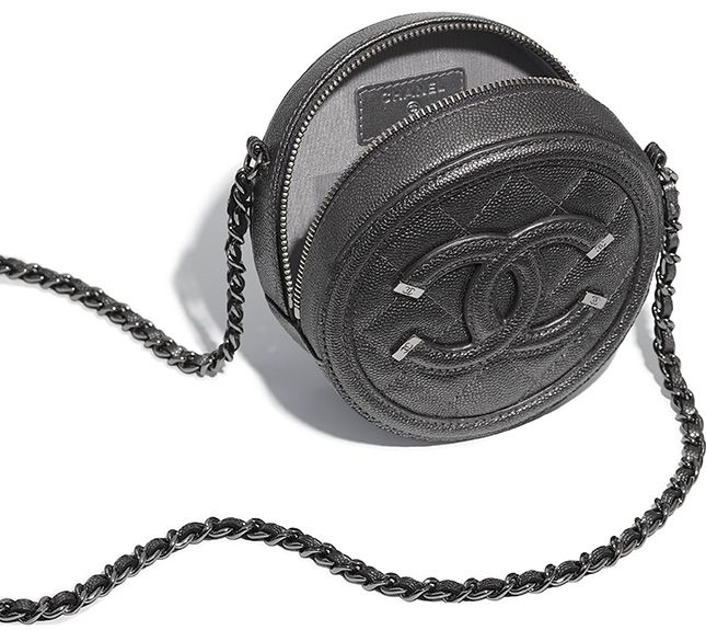 c1cb5d93853bdd Chanel Classic Round Clutch with Chain A70657 2018 | Chanel in 2019 ...