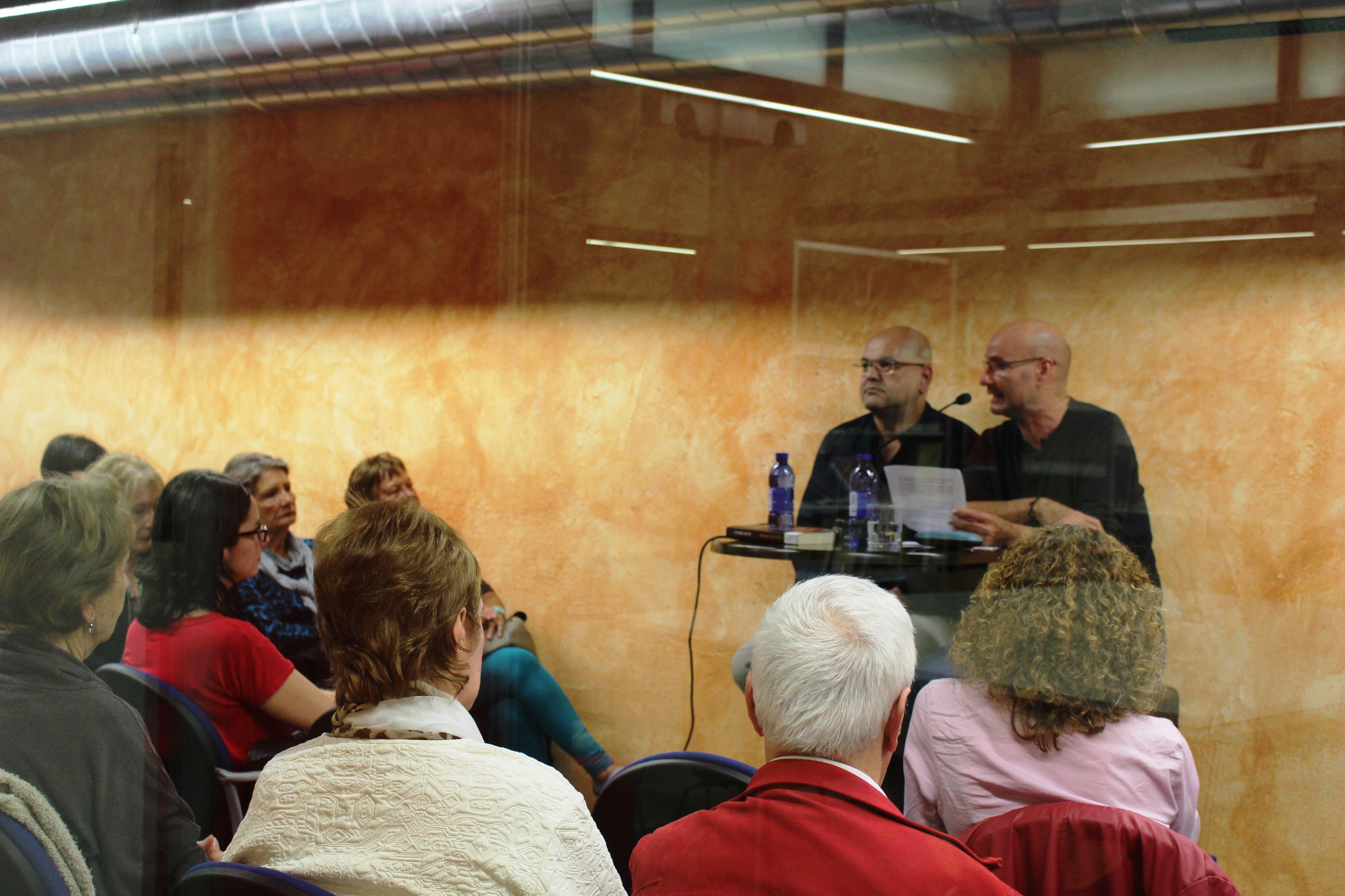04 de febrero 2016. Encuentro literario con Alexis Ravelo.