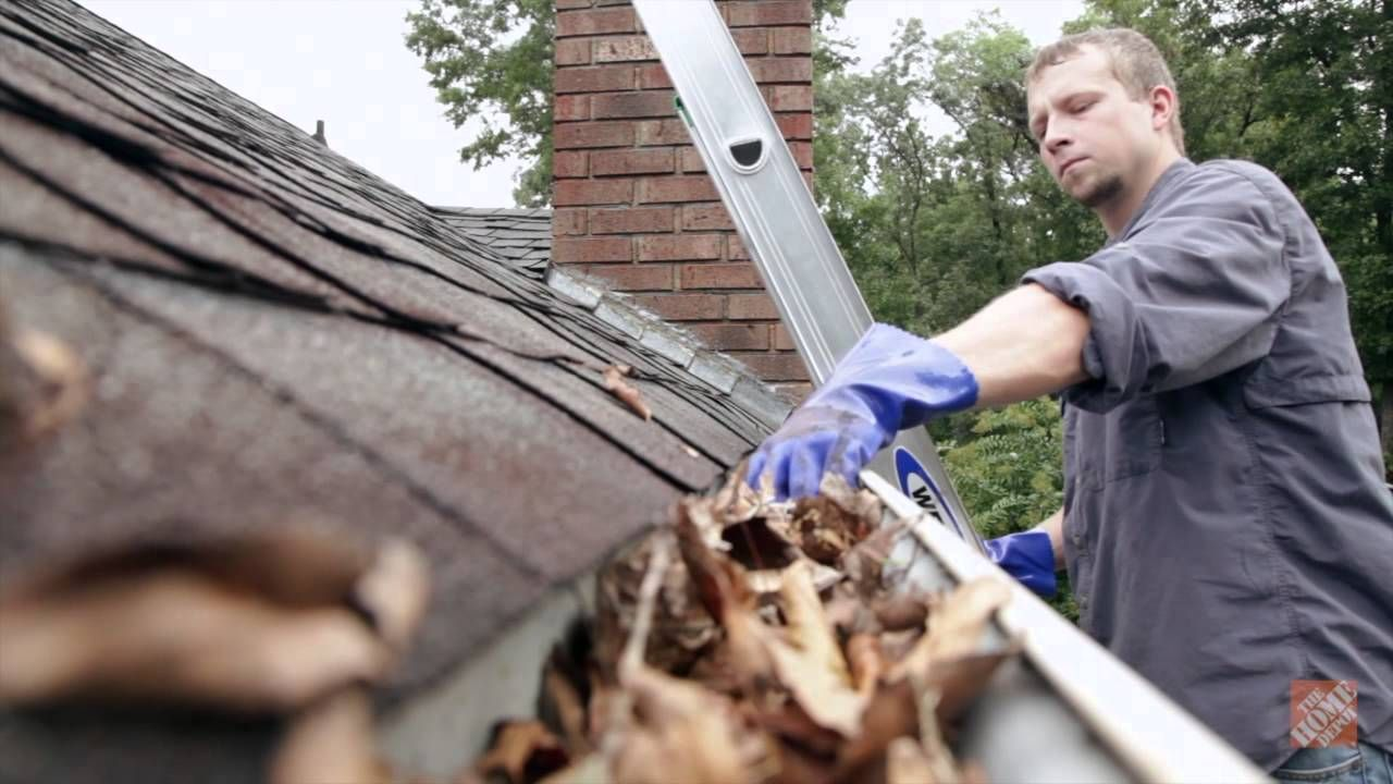 cleaning gutters safety
