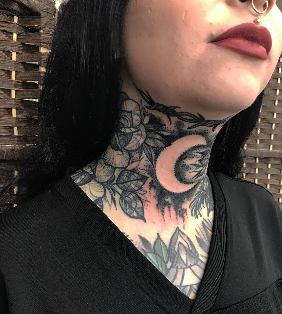 Throat Tattoos Pictures With Images Throat Tattoo Neck Tattoo Neck Tattoos Women