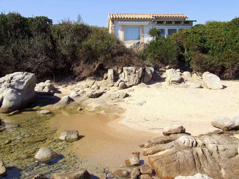 Pin von ji ina warkoczkov auf italy ferienwohnung for Sardinien ferienhaus am strand
