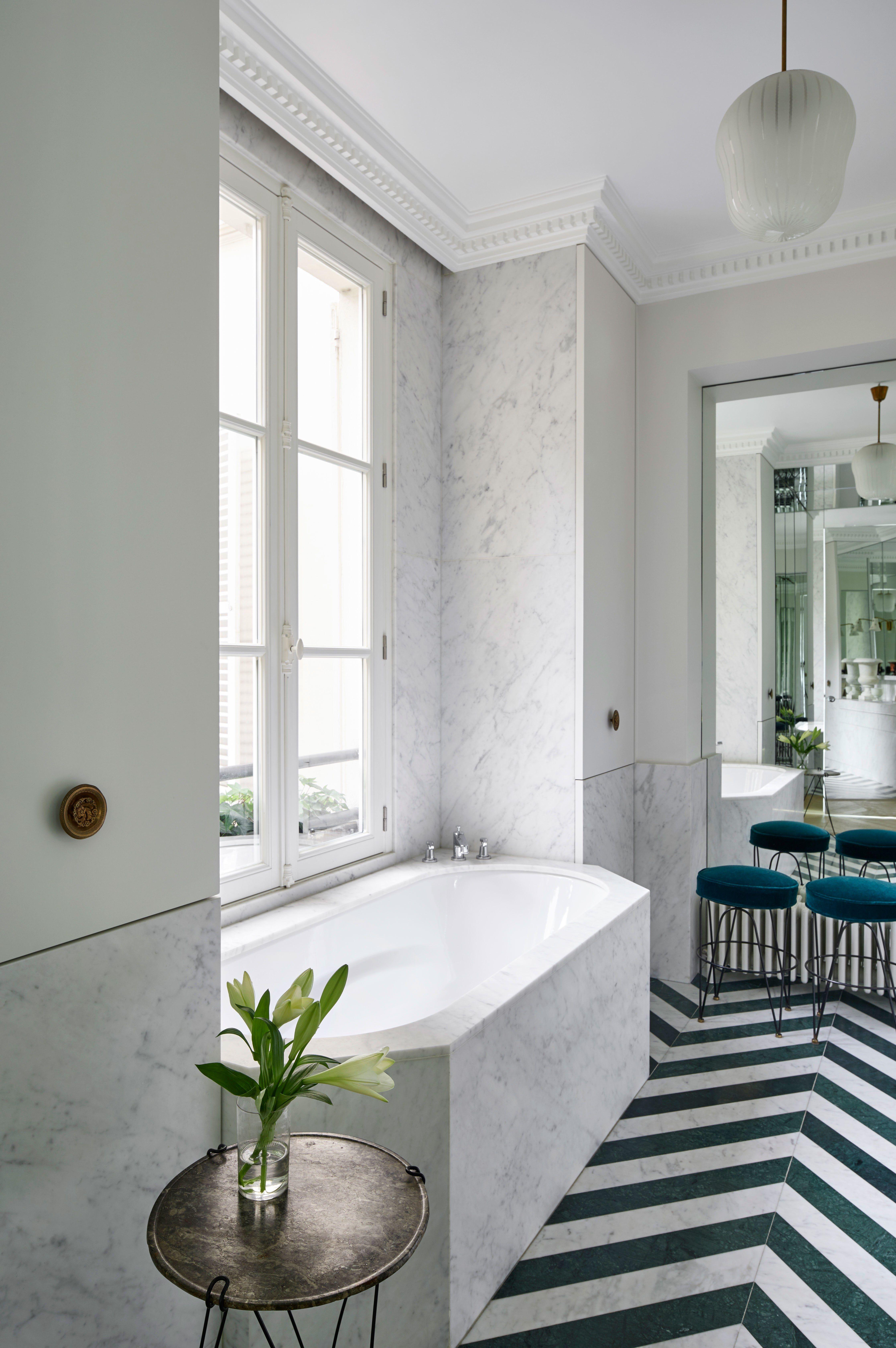 Fashion Designer Alexis Mabille S Paris Apartment Is A Romantic S Dream Parisian Bathroom Bathroom Styling Parisian Decor