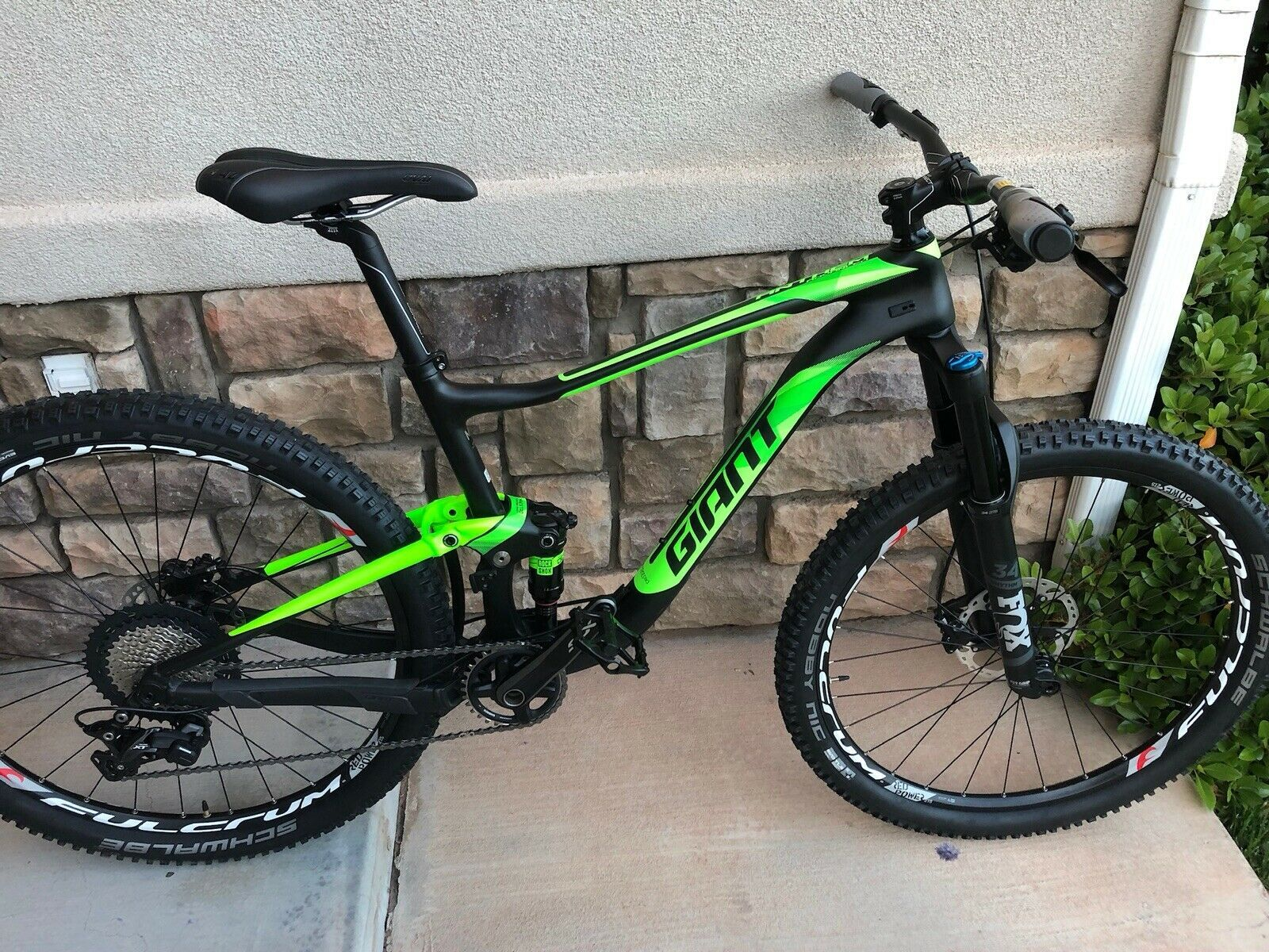 2018 Giant Anthem Advanced Carbon Full Suspension Mountain Bike