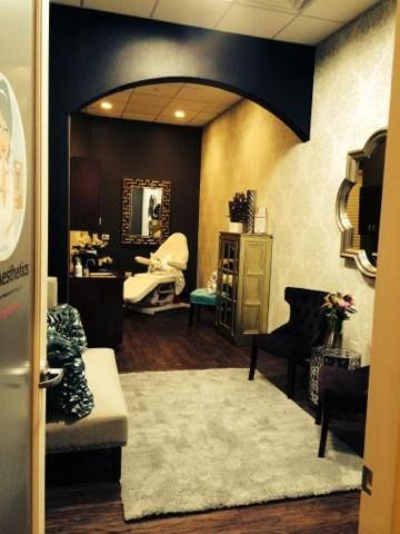 phenix salon suite - Google Search | salon ideas shabby chic ...