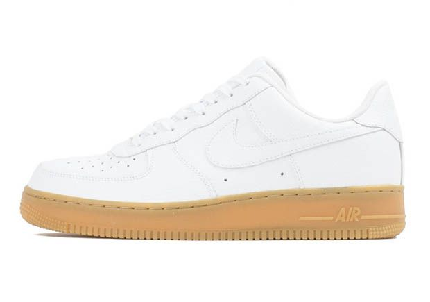 This Nike Air Force 1 Low - white + gum bottom  462041e7c