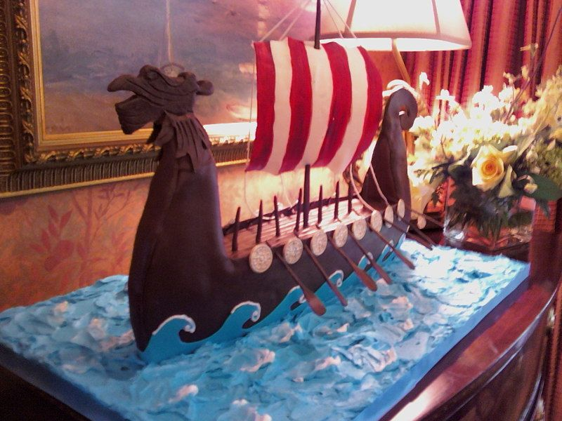 A busy week savannah wedding cakes viking cake easily adaptable to thor how to train your dragon ccuart Images