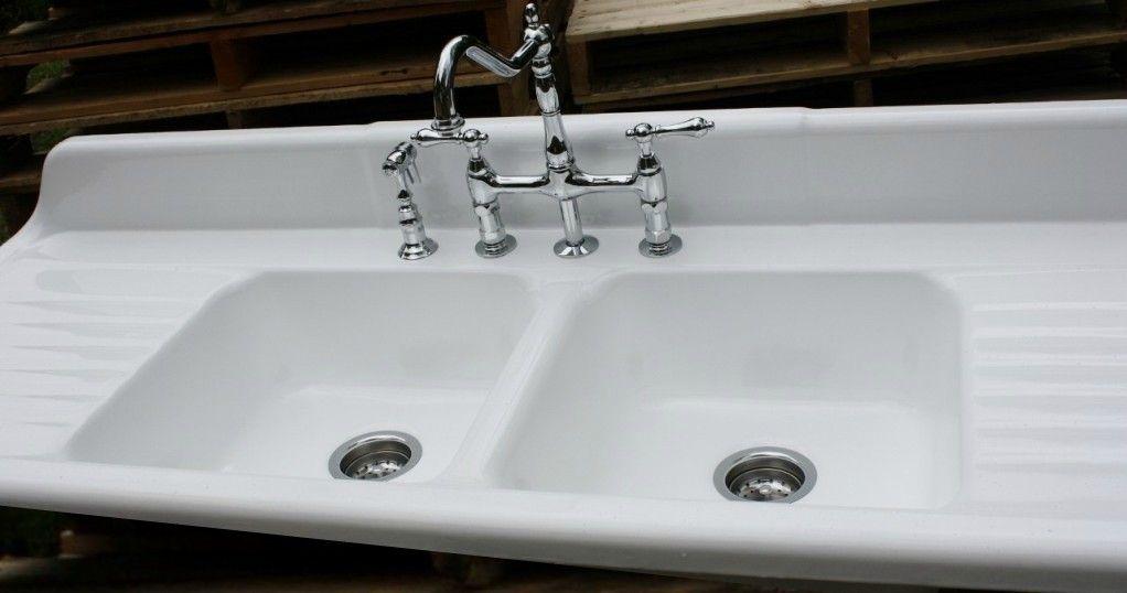 Cast ironporcelain farmhouse doublebowl sink with