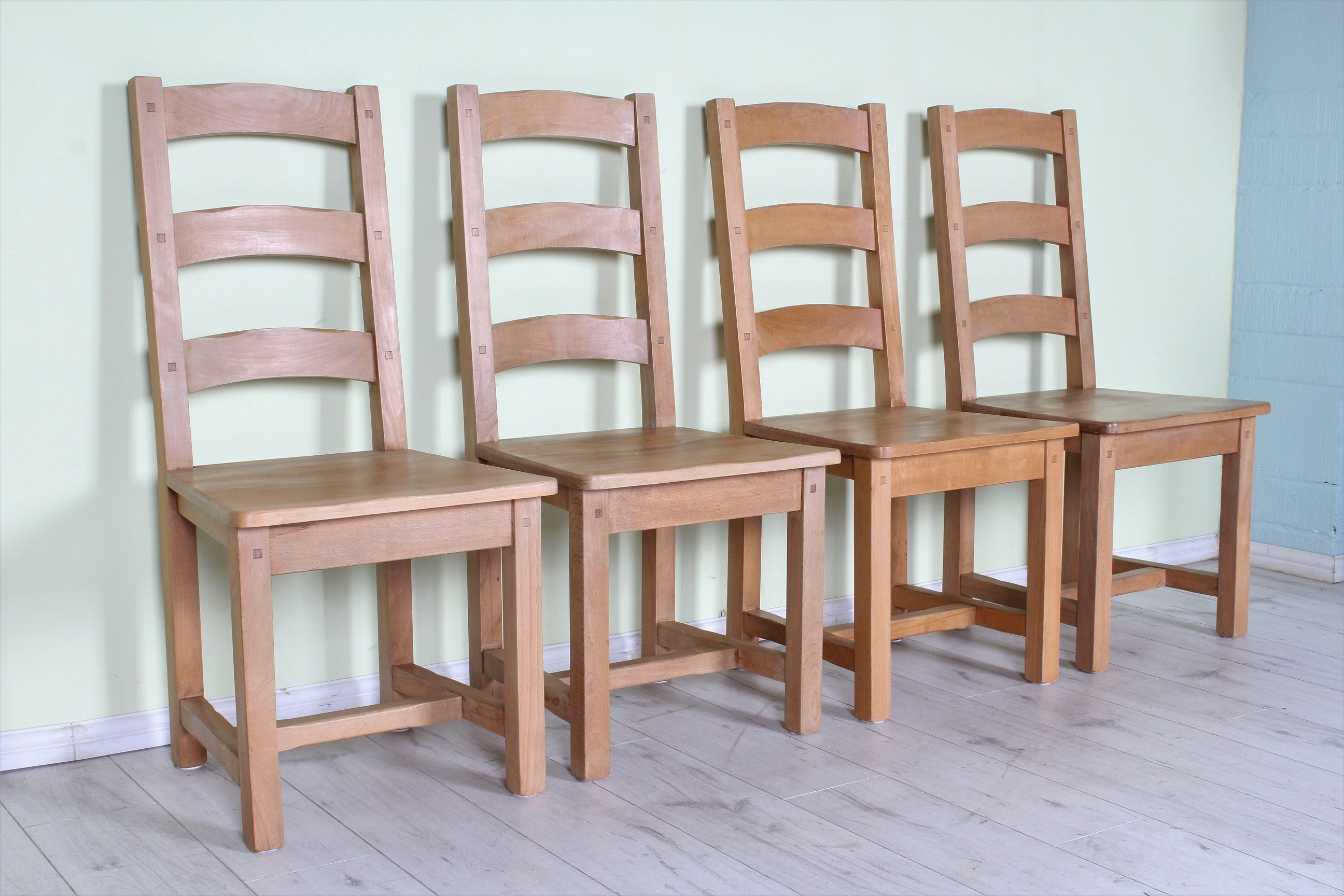 149 set of 4 solid beech farmhouse chairs like new see the rh pinterest com