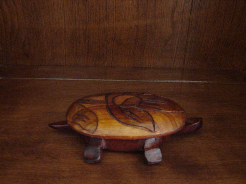 Turtle trinket box hand carved wood yin yang sign vintage trinket