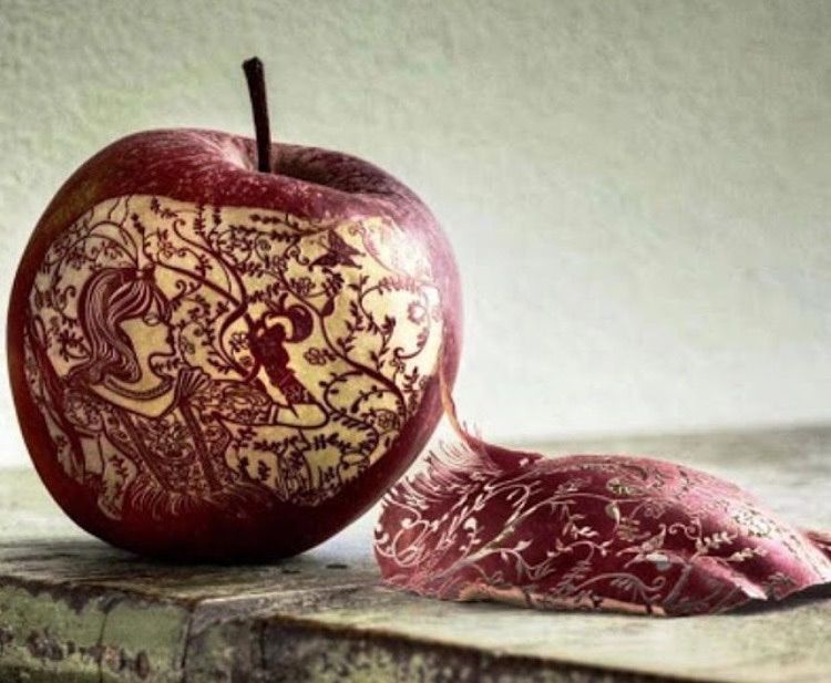 Etching on an apple. AMAZING!!!