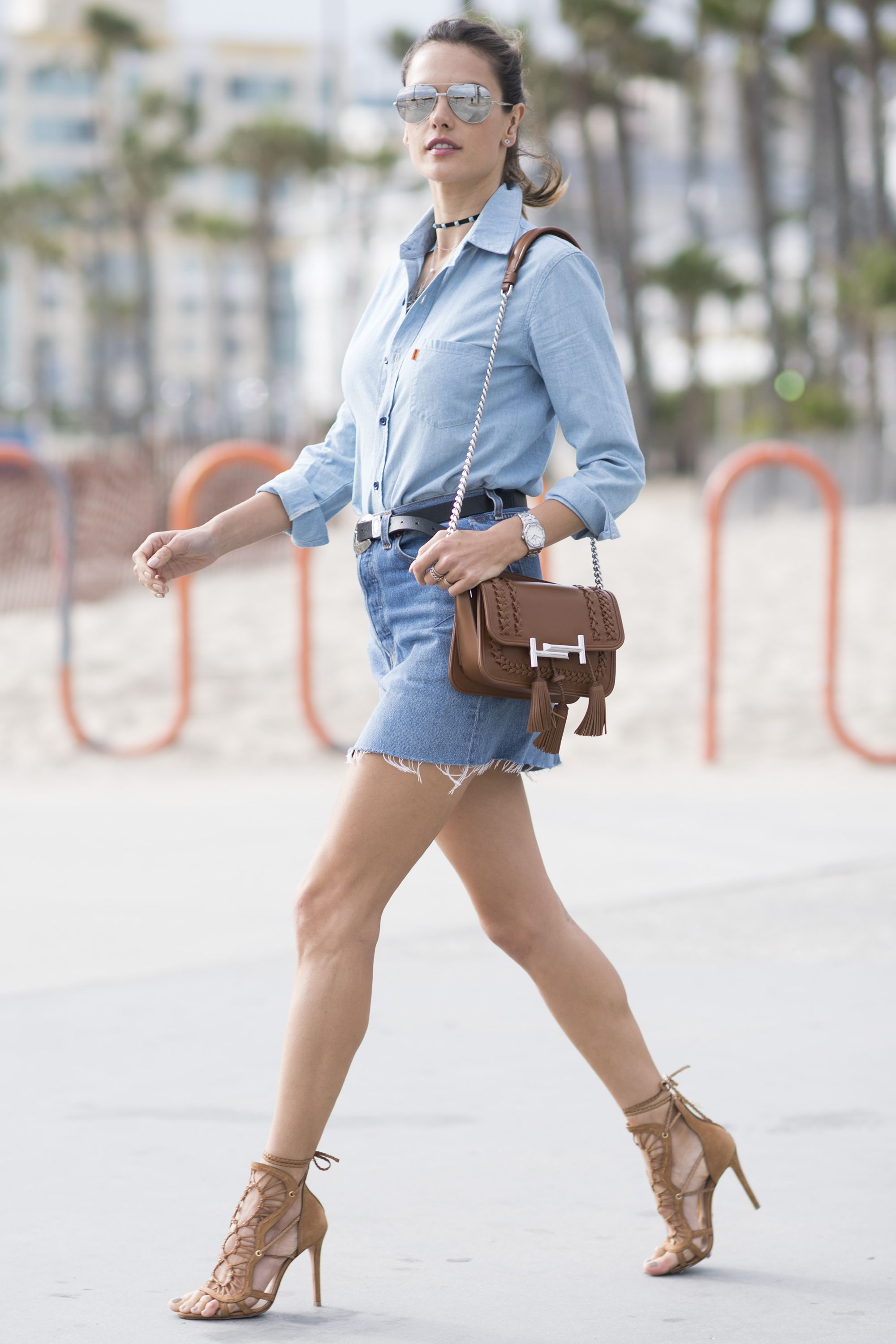 Olivia Culpo Found The Perfect Jeans To Update Your Spring Wardrobe ... d02347ed73