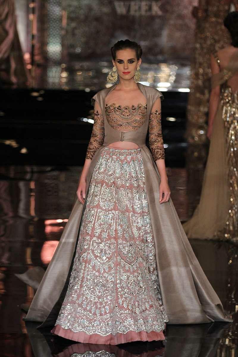 Manish Malhotra at India Couture Week 2016 | lehengas | Pinterest ...