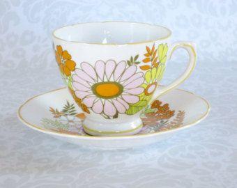 Vintage Tea Cup and Saucer / Mod Crazy Daisy Flower Power Teacup Set ...
