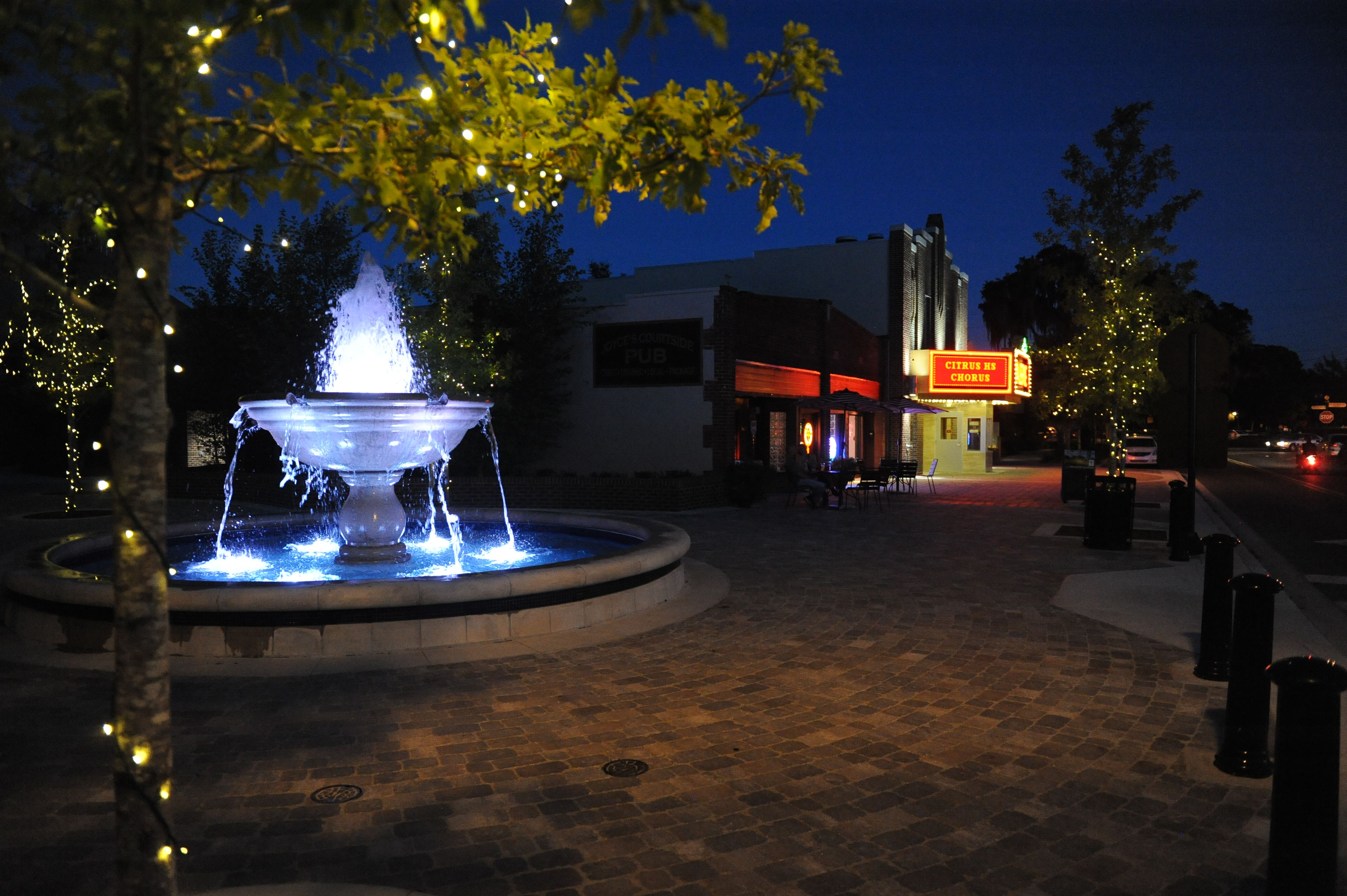 Fountain Plaza In Downtown Inverness FL