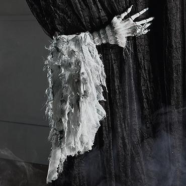 crawling halloween monster hand - Halloween Haven