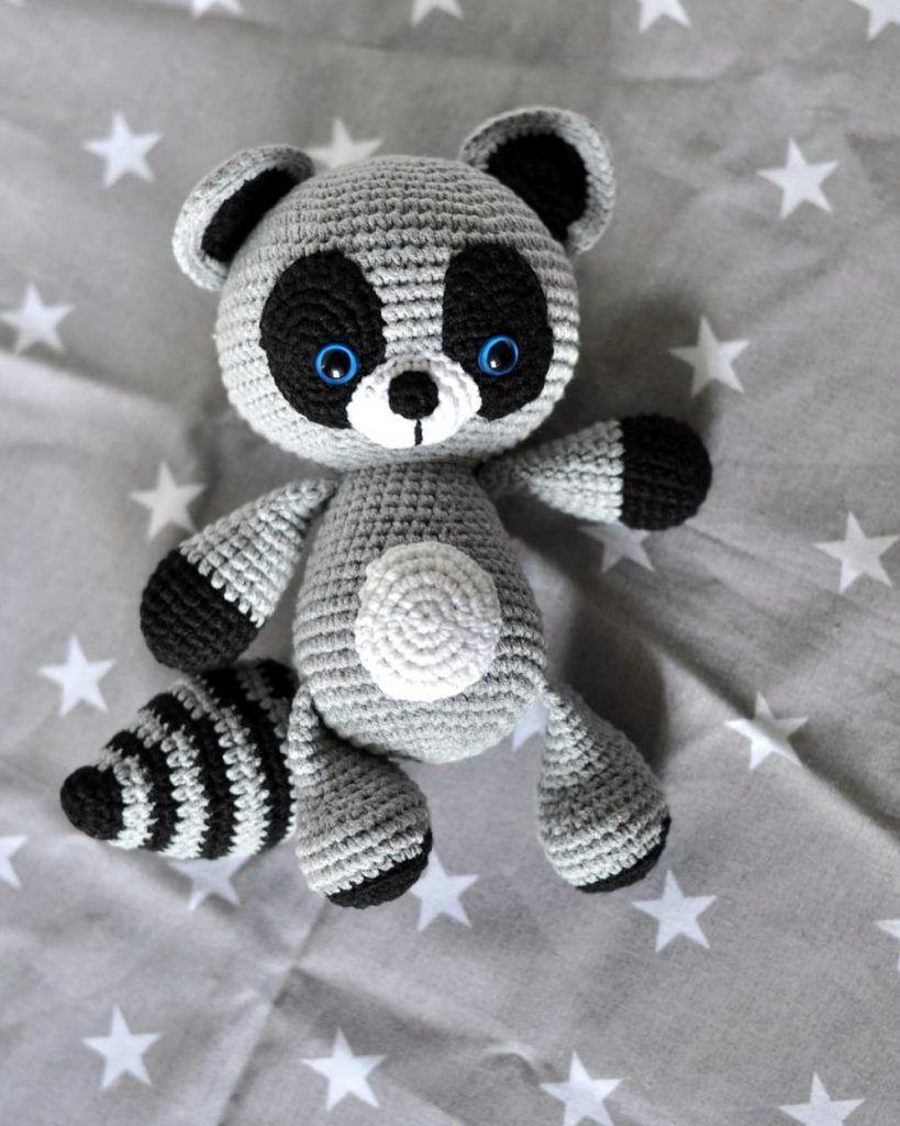 Amigurumi raccoon free pattern | Amiguroom Toys | 1024x819
