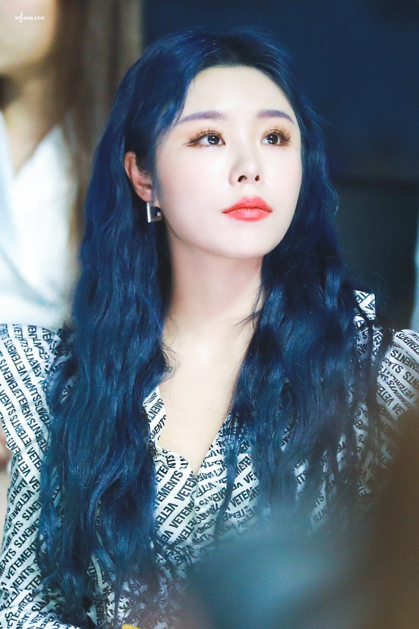 Moderato On Twitter Mamamoo Blue Hair Hair Styles