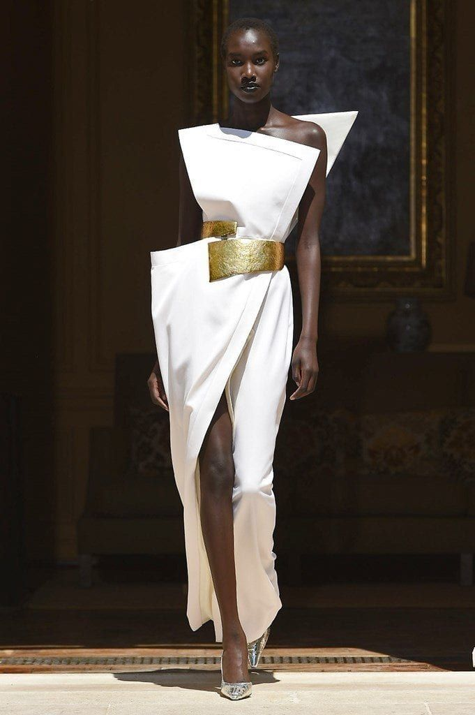 Photo of The Most Mind-Blowing Looks from Fall 2019 Couture Fashion Week – YouBeauty
