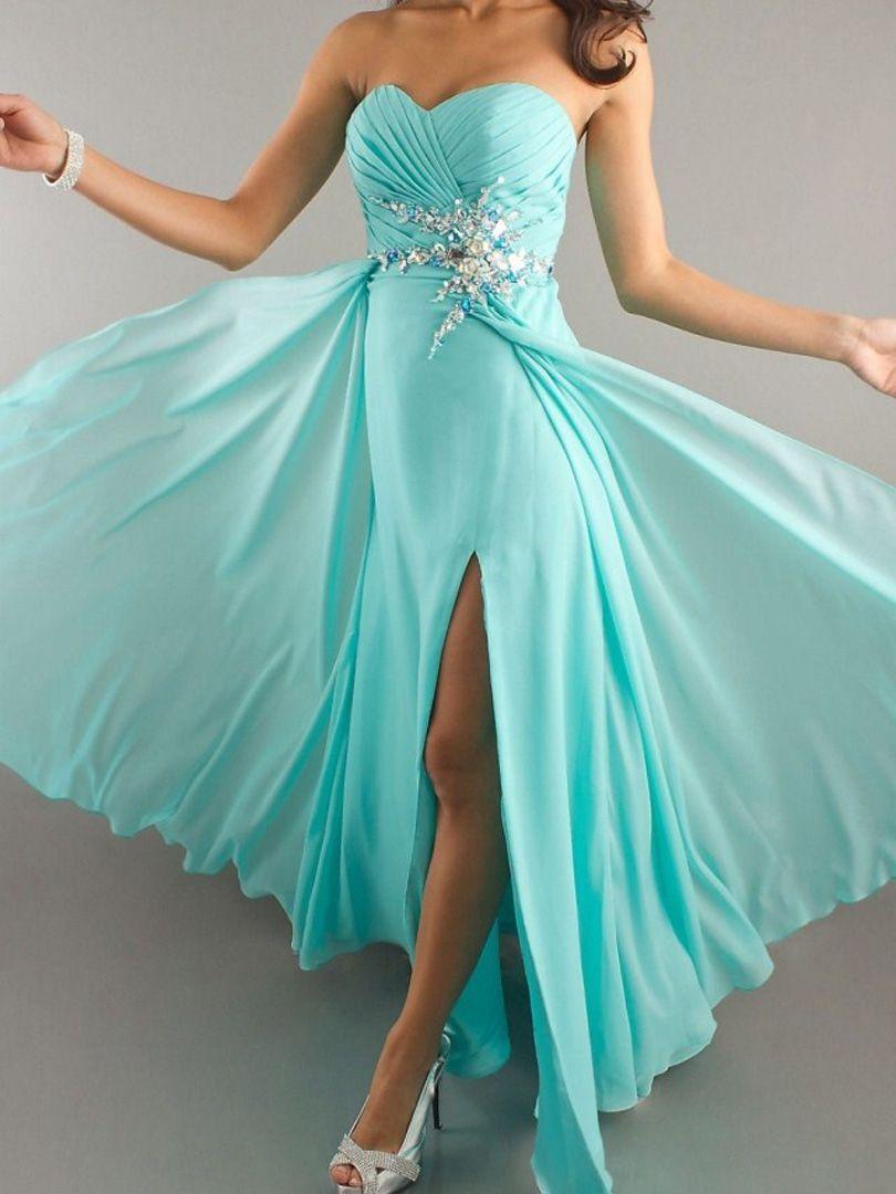 покажи картинки красивых платья стрижки средние