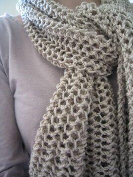 modele d echarpe au tricot gratuit