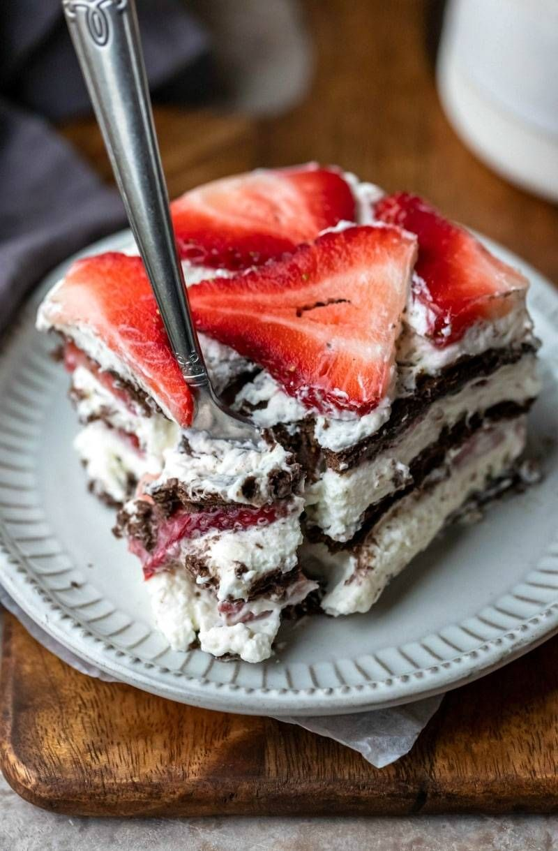 Strawberry icebox cake - #bake #baking #cake #chocolate #cooking #cream #delicious #dessert #food #foodgasm #foodporn #icebox #no #photography #recipes #strawberry #sweet #tooth #treats #whipped