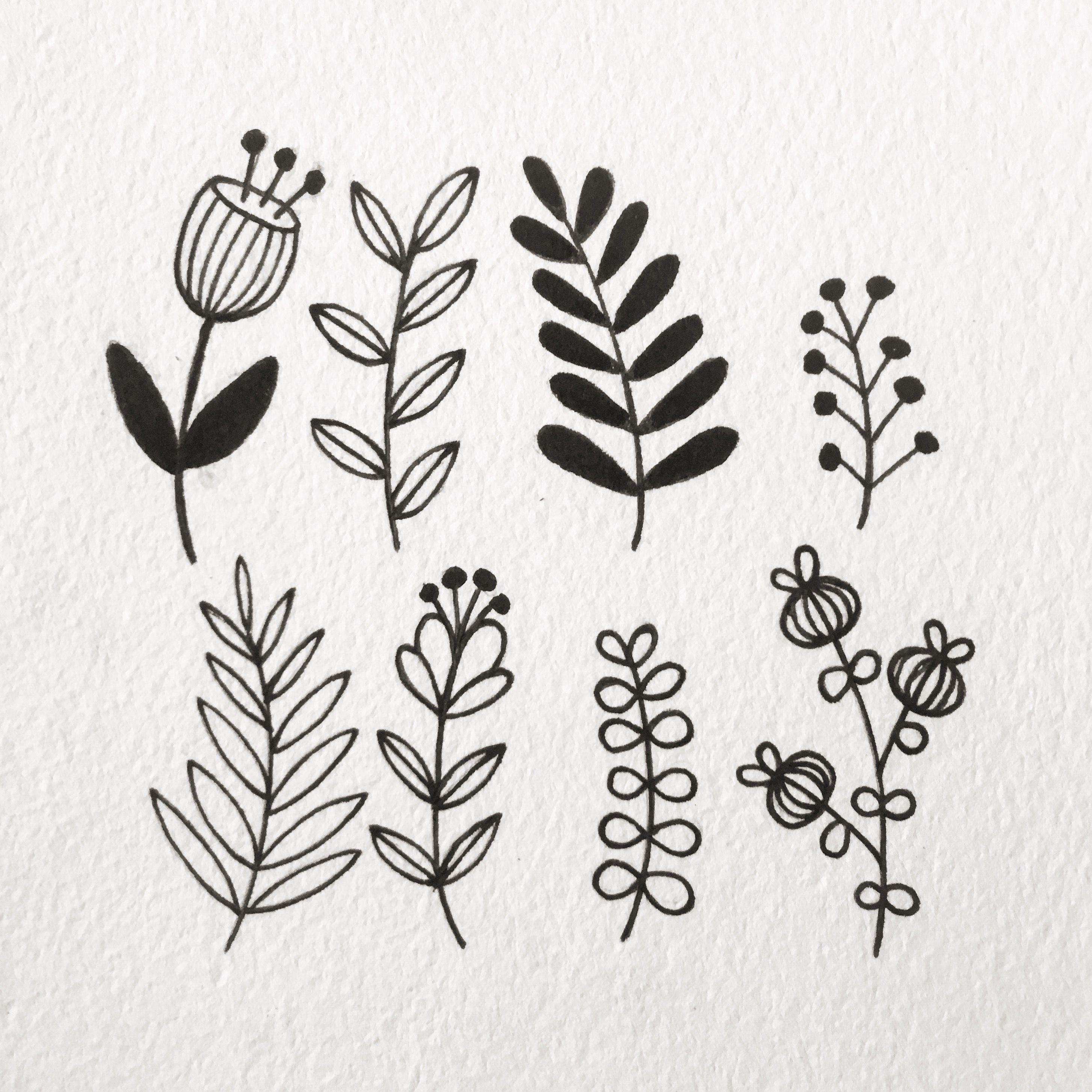 Simple Foliage Drawing With Images Flower Drawing Wreath Drawing Flower Doodles